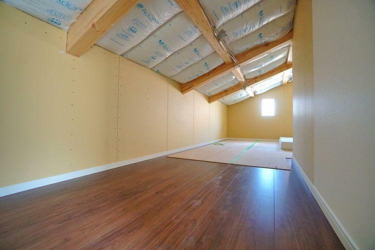 収納 小屋裏収納は十分な広さですので、季節物の収納などにお役立て下さい。