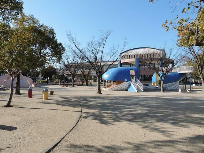 公園 安城市総合運動公園 徒歩5分。