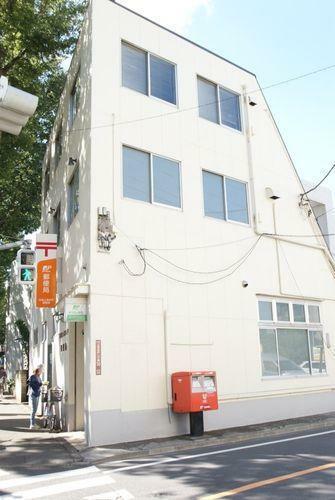 郵便局 杉並上高井戸郵便局 徒歩3分。