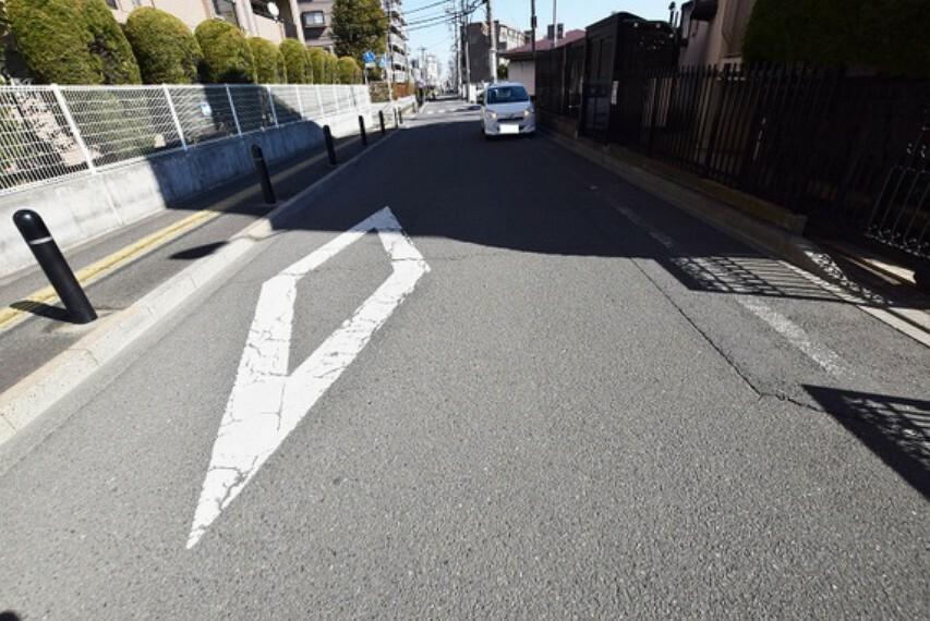「花小金井」駅より徒歩約4分の立地です。