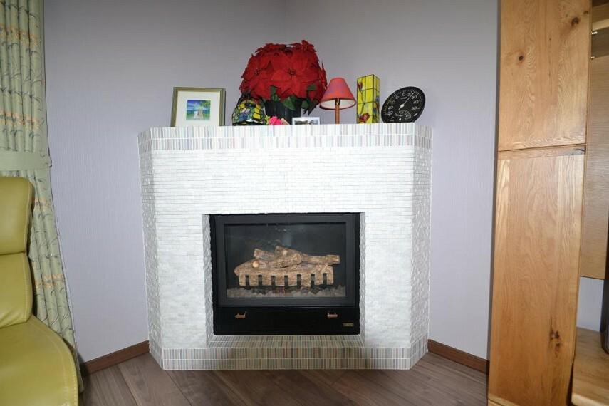 イッコーさんも自宅に装備している暖炉です。冬場はぽかぽか大活躍