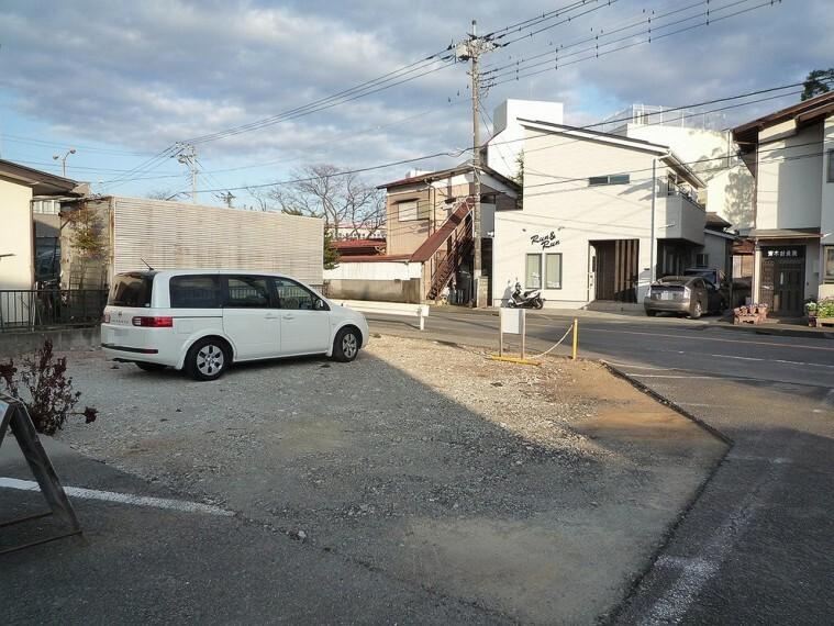 現況写真 南面は約6mの隣地通路部分となっていますので、角地感覚です。