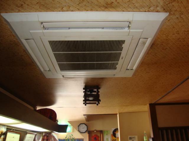 1階・室内のエアコン