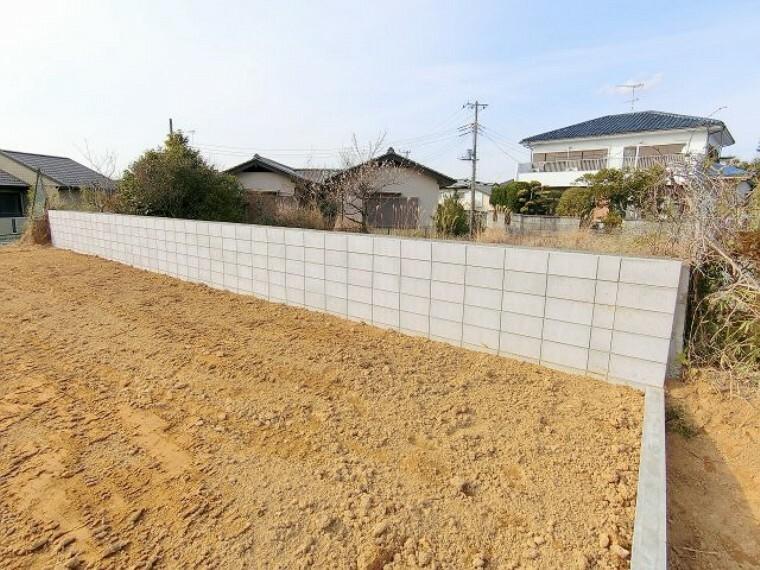 現況写真 成田中学校近く、A区画販売中です。