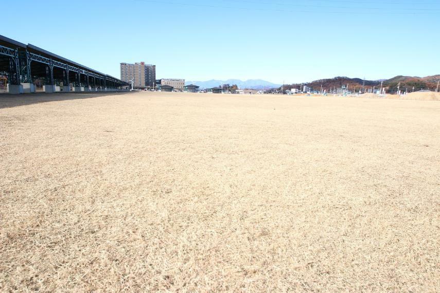 公園 五十部運動公園 日赤に隣接する公園 お子様用の遊具はもちろんサッカーグラウンドとしても使われています