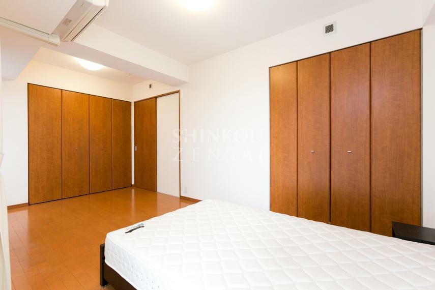 寝室 洋室(1) 約9.0帖
