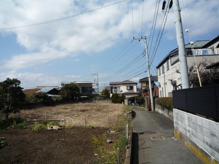 現況写真 周辺は住宅街となっており、落ち着いた住環境です。