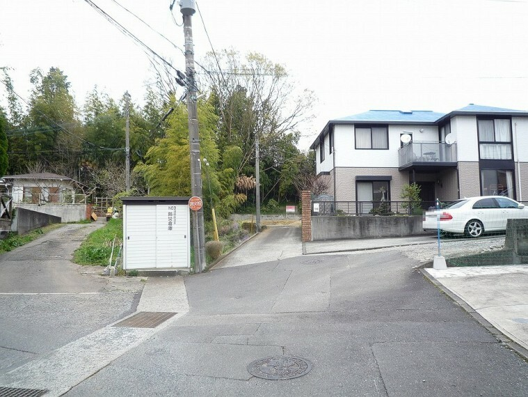 現況写真 周辺は穏やかな雰囲気漂う閑静な住宅街です。