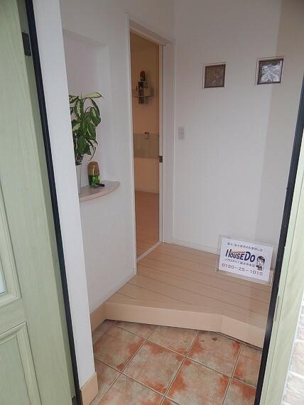 玄関 30足以上収納できるシューズインクローゼットスペースがあります。