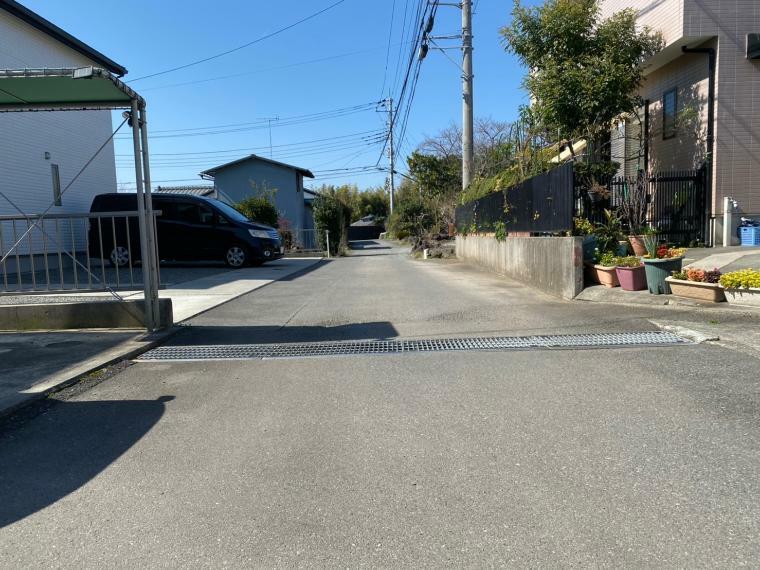 現況写真 位置指定道路に接する道路