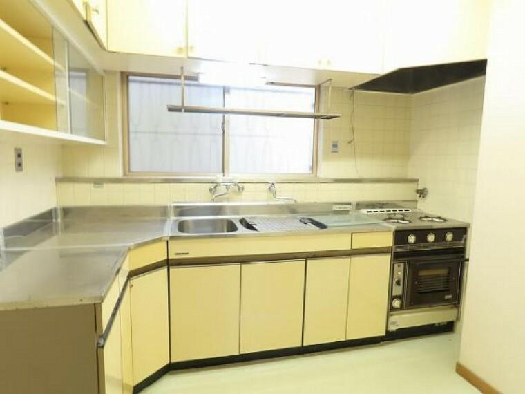 キッチン 大きなキッチンなので、お子様と並んでお料理を楽しむこともできますね!