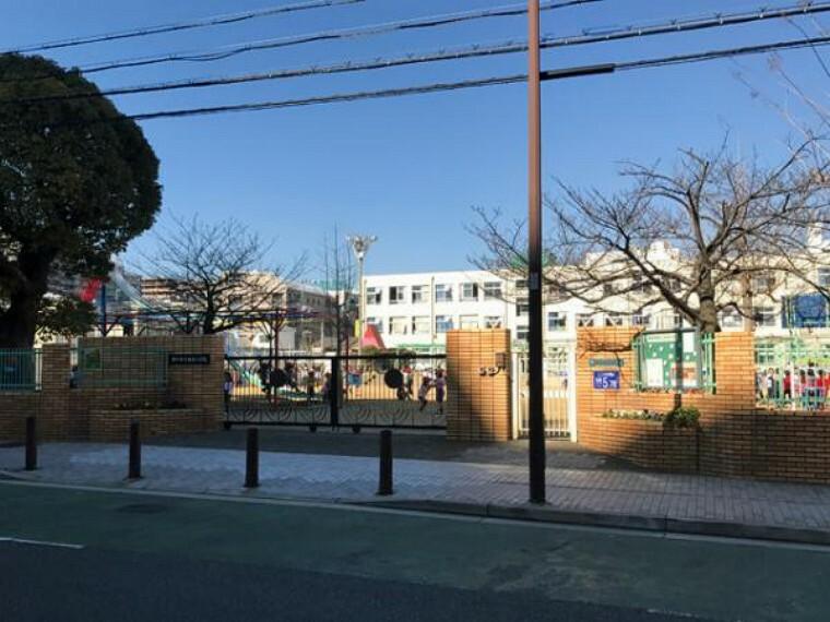 小学校 神戸市立垂水小学校!伝統ある小学校で、145年以上の歴史があります!門の通過をメールでお知らせしてくれる「ミマモルメ」やオートロックなど、セキュリティ面も安心!