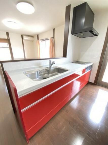 キッチン 人造大理石のキッチン デザインも