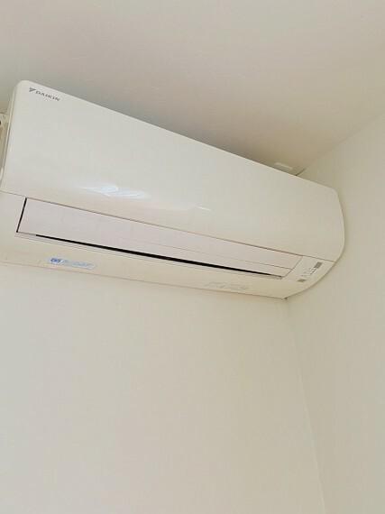 エアコンはLDKに1台、居室に1台付いています!