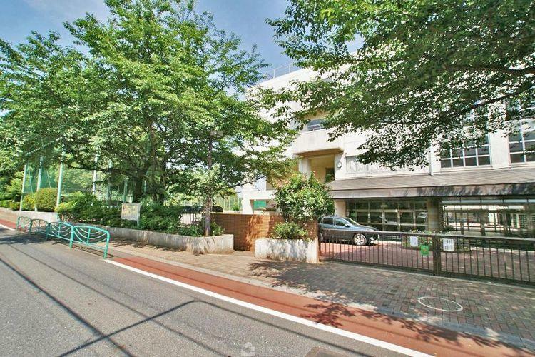 中学校 杉並区立宮前中学校 徒歩9分。