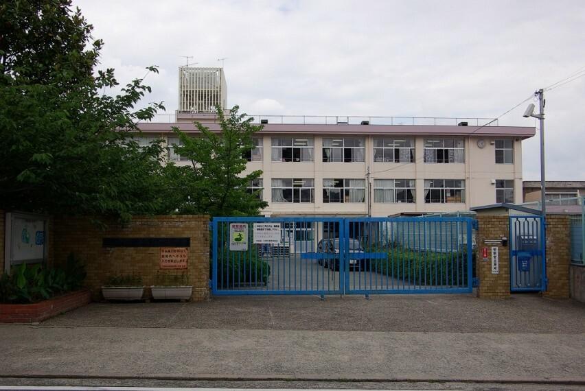 小学校 【小学校】川西市立清和台南小学校まで415m