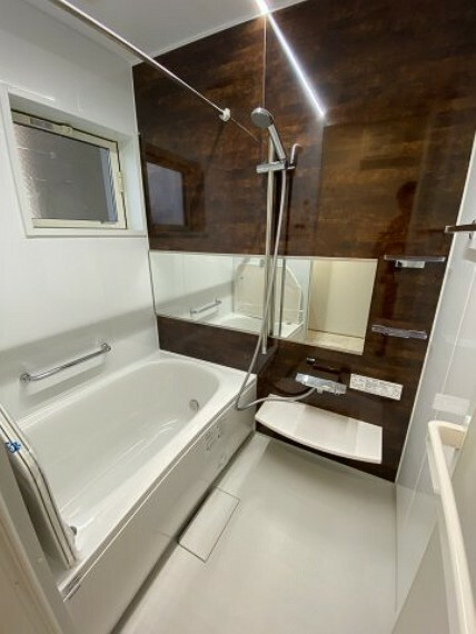 浴室 お風呂 Panasonicのシステムオートバス、フラットラインLED照明、ワイヤレスリモコン付き浴室乾燥機