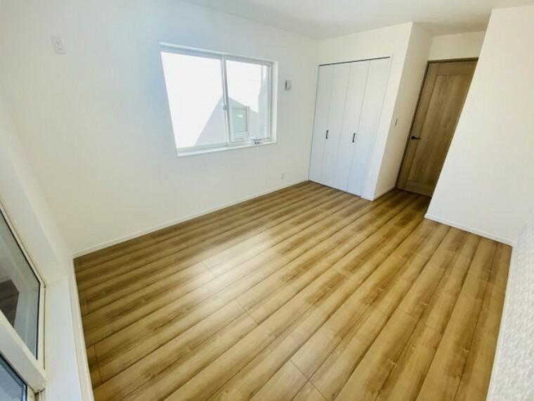 洋室 3階居室 8帖超の広々主寝室