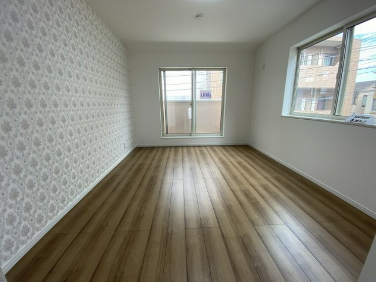 洋室 開放的な広々主寝室(収納付き)
