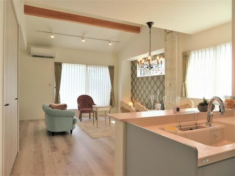 居間・リビング 細部までデザインにこだわったデザイナーズハウス(ロフト付き)