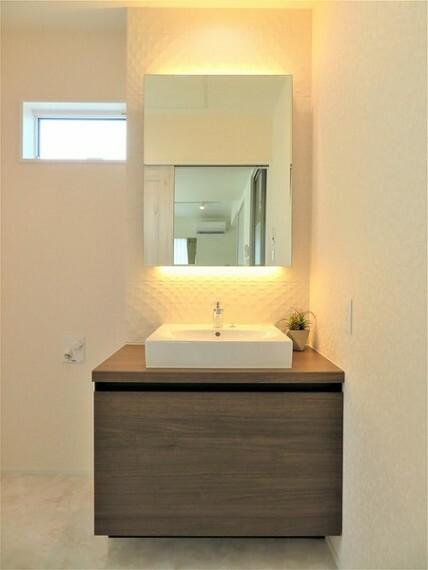 洗面化粧台 細部までデザインにこだわったデザイナーズハウス(ロフト付き)