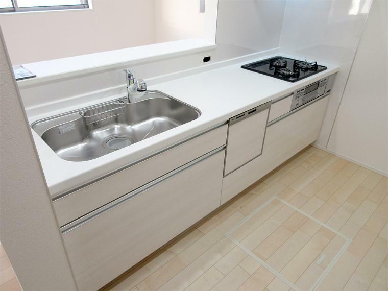 同仕様写真(内観) 嬉しい食洗機付きのシステムキッチン