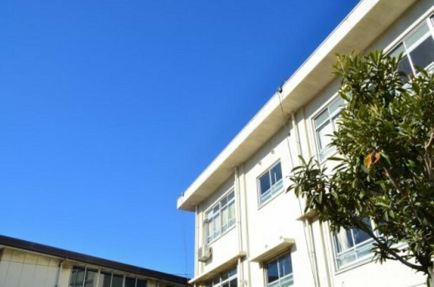 小学校 【小学校】枚方市立さだ東小学校まで423m
