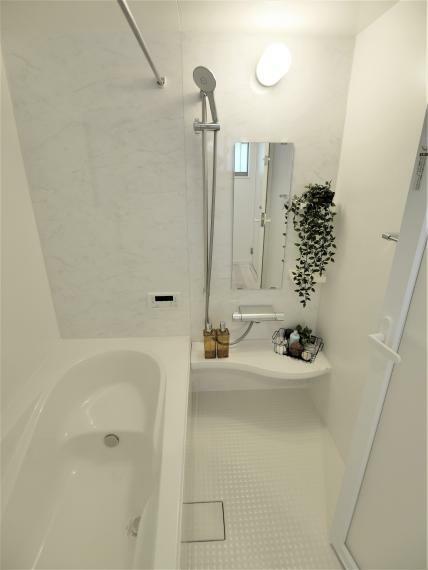 完成予想図(内観) 【弊社施工の完成物件写真】1坪タイプの広さを確保しているのでお子様との入浴にもゆとりがありますね