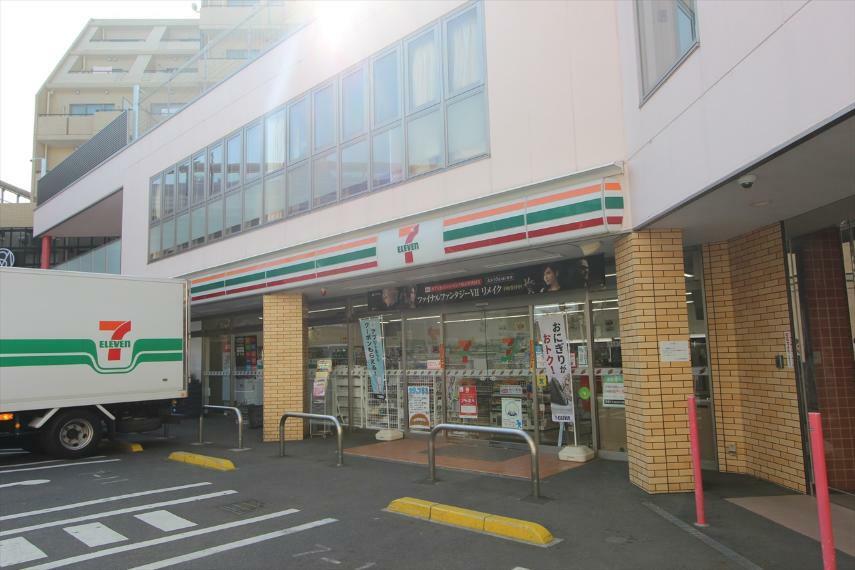 コンビニ セブンイレブン世田谷サザエさん通り店