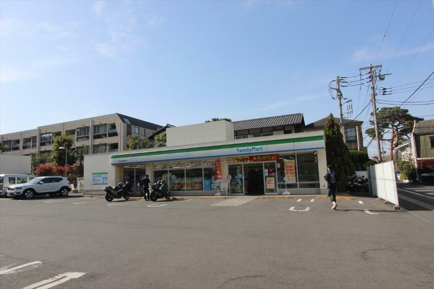 コンビニ ファミリーマート246世田谷桜新町店