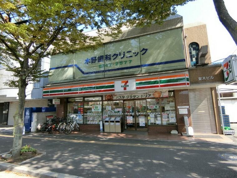 コンビニ セブンイレブン千葉幸町店