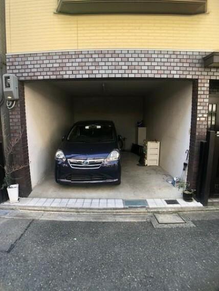 駐車場 駐車スペースはしっかりと確保されています!