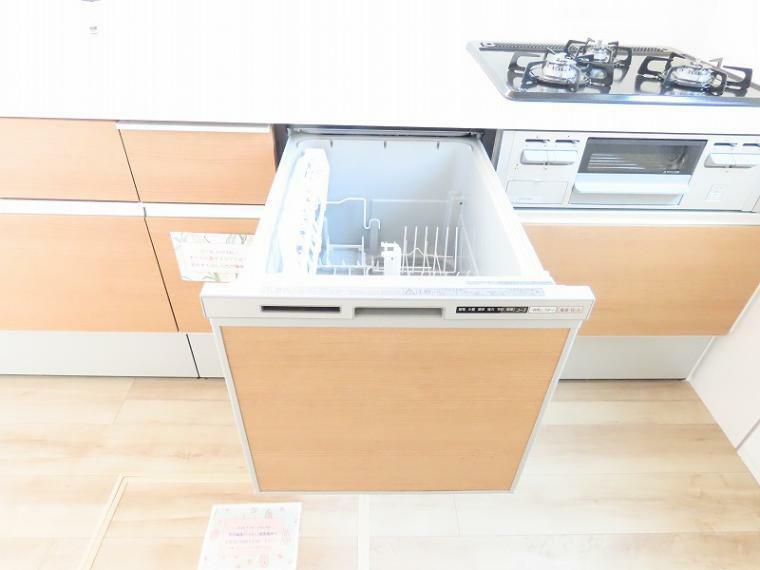 同仕様写真(内観) 忙しい時にも食洗器があるとゆとりが持てますね!
