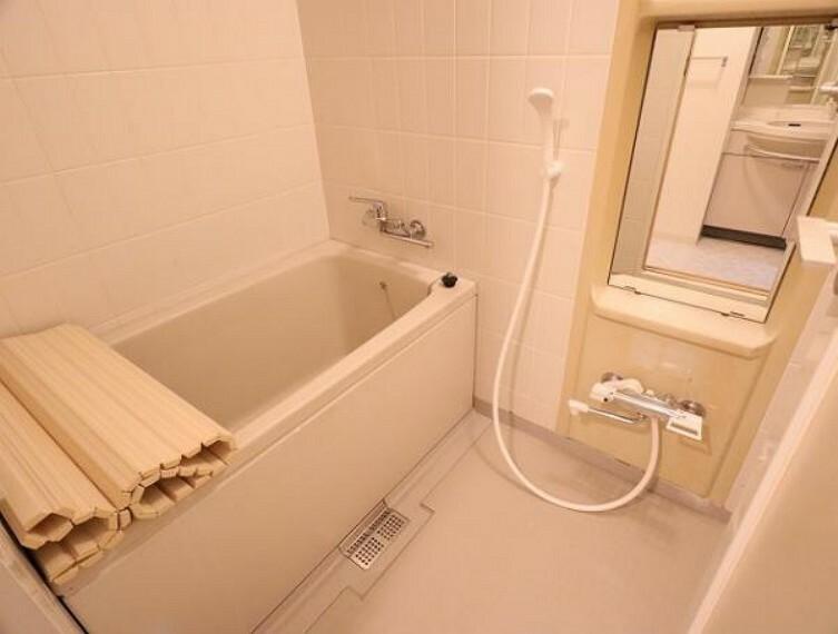 浴室 広々バスルームで1日の疲れをリフレッシュできますね