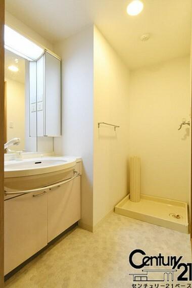 洗面化粧台 ■ゆったりした洗面・脱衣スペースです!■