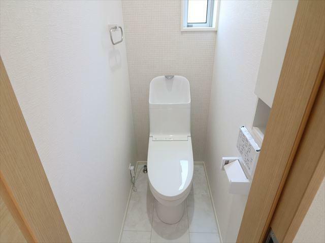 トイレ 節水型ウォシュレットトイレ。