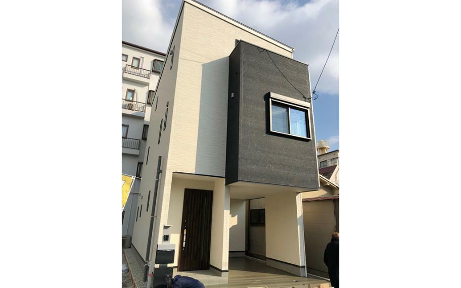 参考プラン完成予想図 施工例■お家の縦ラインをそろえることで外観も意識したプラン作りをしています。長く住むお家なので外観もデザイン性を。