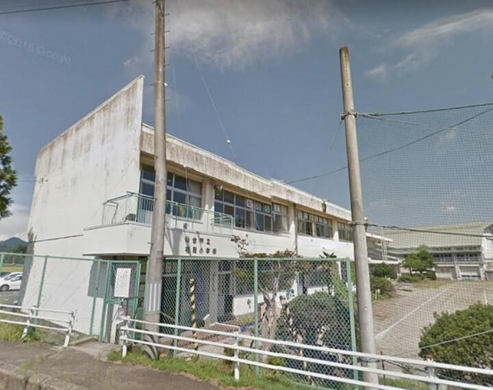 小学校 福岡小学校 徒歩40分(約3200m)