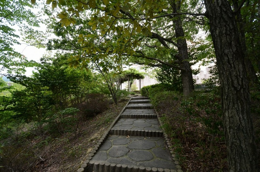 公園 【公園】西林公園まで653m