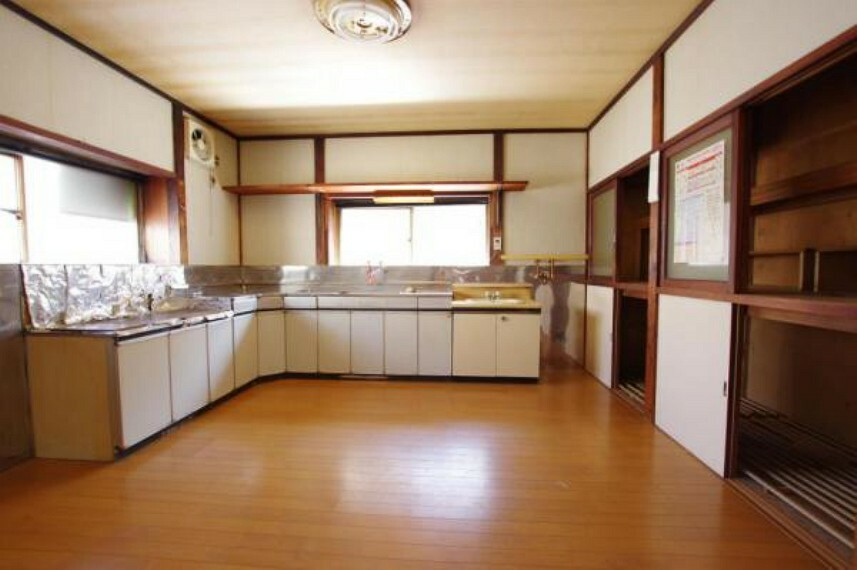 キッチン ゆとりあるDKスペースです