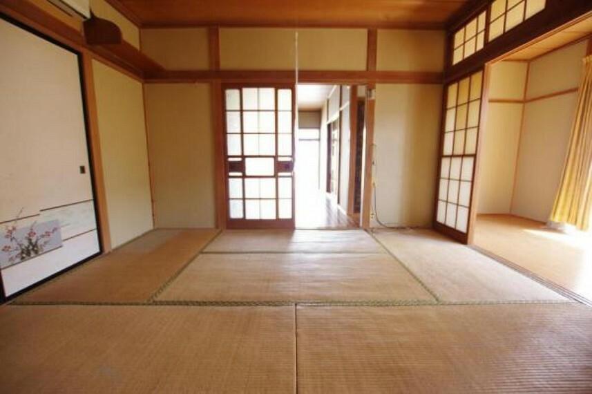 和室続間のうち東側の和室です