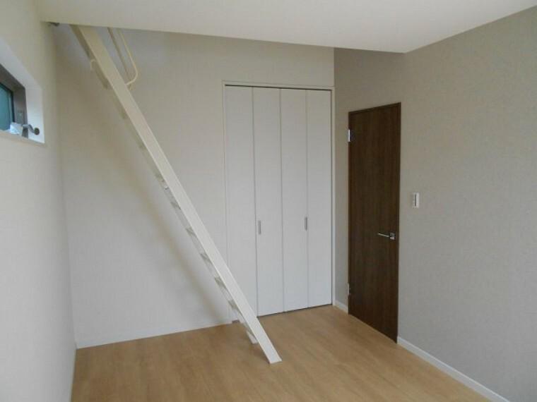 洋室 ロフト付きです。
