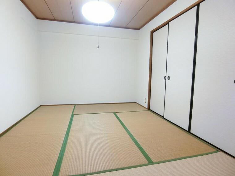 寝室 寝室 和室 6帖(奥側)