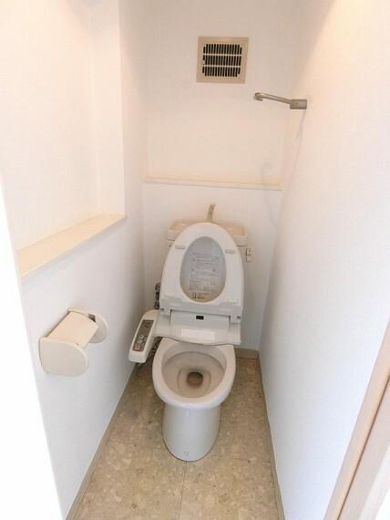 トイレ 温水洗浄便座付きのトイレです。