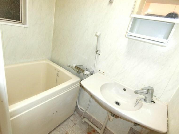 浴室 浴室と洗面台です。