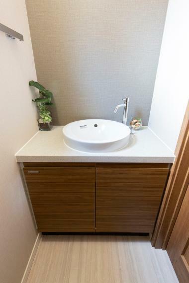 トイレ フィオレストーン天板・陶器ボウルの手洗いカウンター