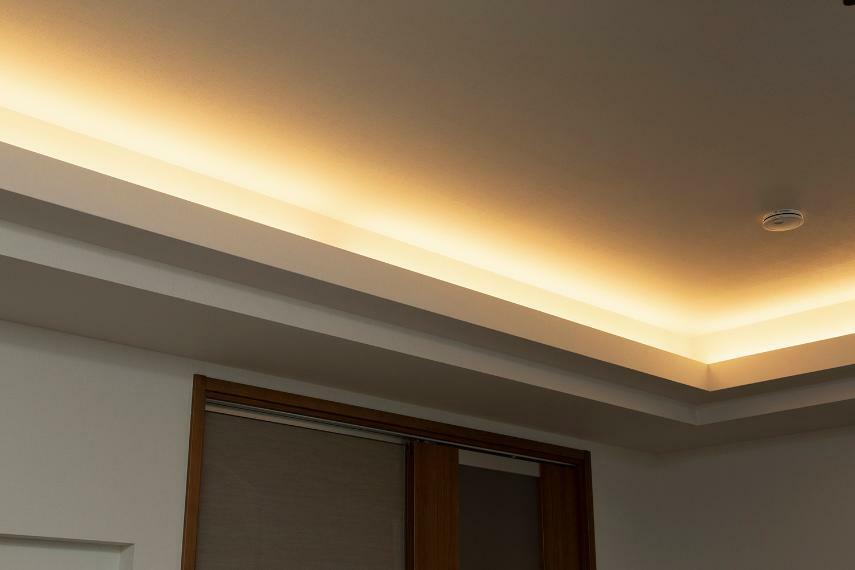 照明付き折り上げ天井