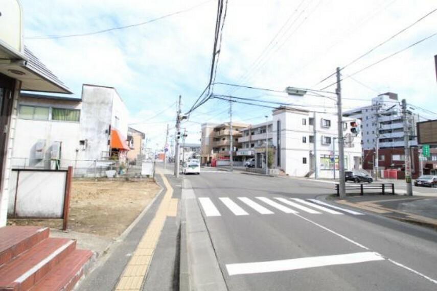 現況写真 前面道路含む現地外観写真(令和2年3月撮影)