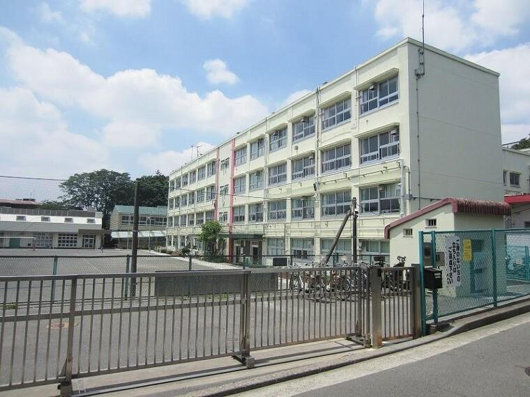 小学校 横浜市立長津田小学校(●1945年開校の歴史がある、生徒数835名の大きな小学校です。「自ら学び、たくましく、心豊かな子」を学校教育目標に掲げて取り組みます●)