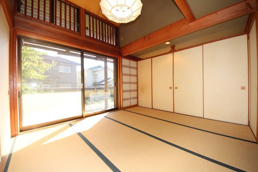 和室 天井が高くなっていて開放感がありますね
